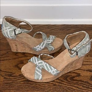 NWOT Toms Sienna Wedge Sandals